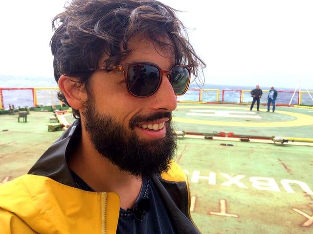 Pascal Graf, der Atmosphären-Dynamiker der ETH Zürich auf Deck des Antarktis-Forschungsschiffs «Akademik Tryoshnikov».