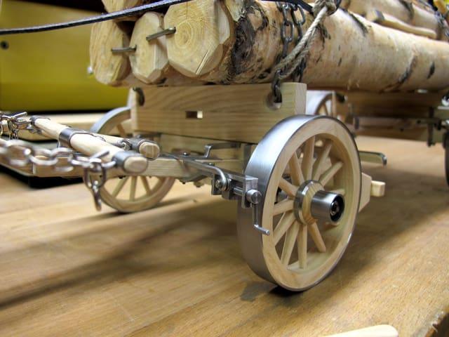 Detailaufnahme Räder Fuhrwerkmodell.