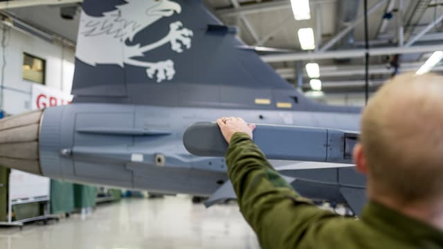 Ein schwedischer Kampfflieger Gripen