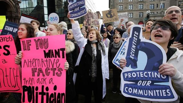 19. Februar 2017: Wissenschaftler und Umweltverfechter demonstrieren in Boston.