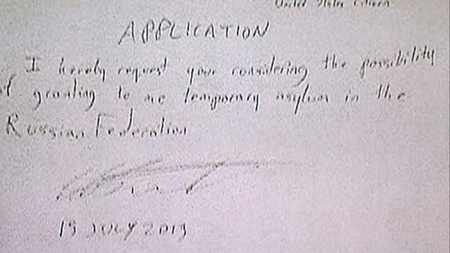 Asylantrag von Hand geschrieben.