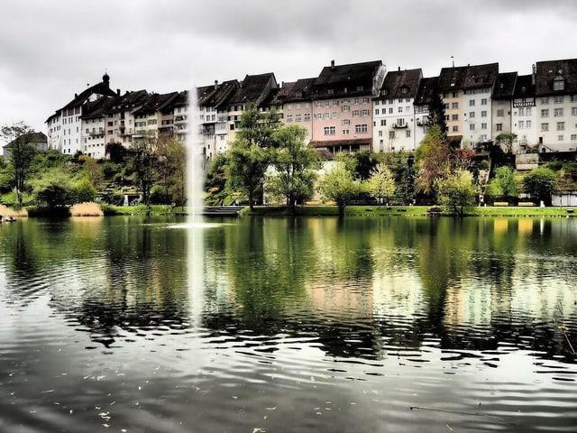 Stadtweiher von Wil mit Altstadt im Hintergrund