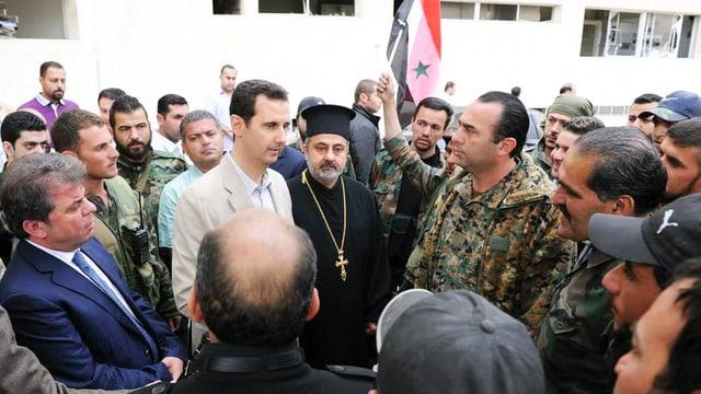 Assad bei einem Besuch christlicher Syrer am Ostersonntag