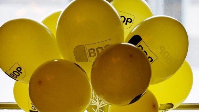 """Ballone mit der Aufschrift """"BDP"""""""