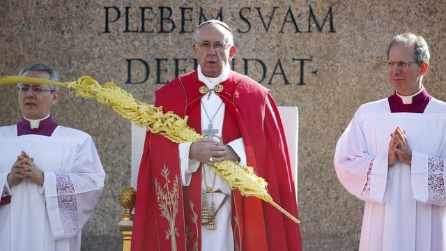 Papa Francestg durant la messa da la dumengia da palmas.