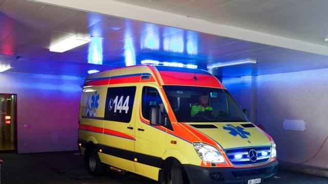 Der Grund für die verspätete Ambulanz in Fislisbach war ein Fehler der Einsatzzentrale. (Symbolbild)