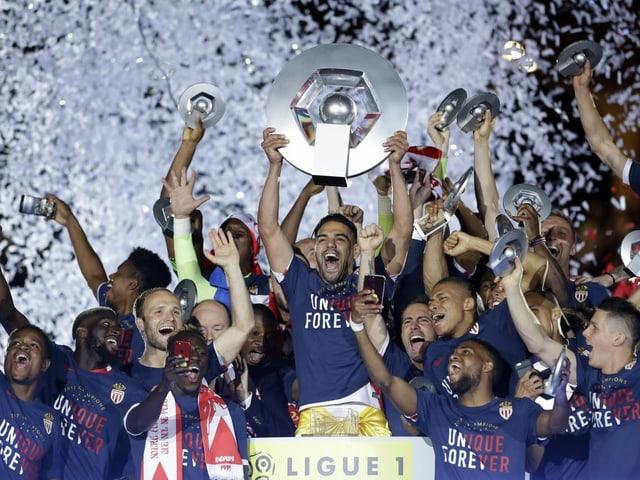 Monaco bejubelt im Mai 2017 den Gewinn der französischen Meisterschaft.