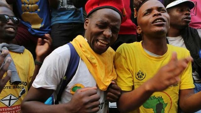 Junge afrikanische Männer