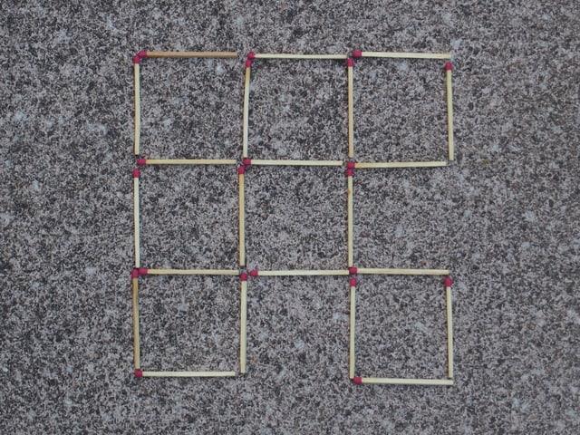 Lösung von Aufgabe 1. Es sind sieben gleich grosse Quadrate zu sehen.