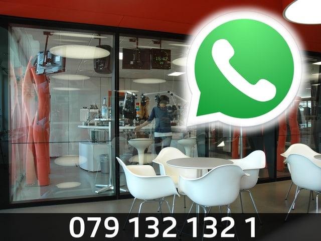 Grün-weisses WhatsApp-Symbol, im Hintergrund der Blick ins Radiostudio (Bildmontage).