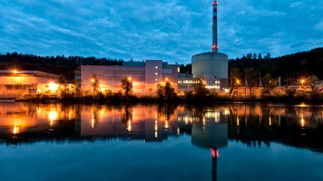 Das Atomkraftwerk Mühleberg der BKW im Kanton Bern.