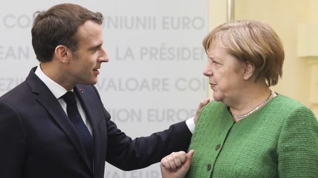 Emanuel Macron ed Angela Merkel.
