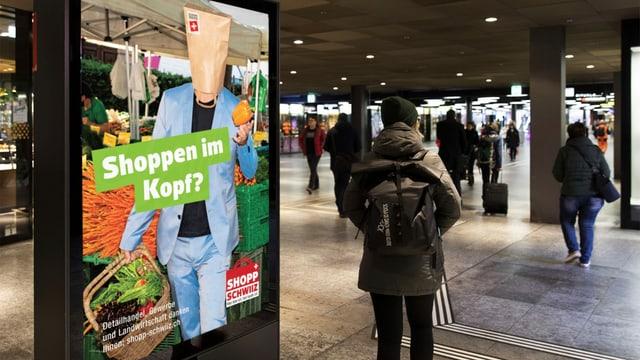 Placat da la campagna «Shopp Schwiiz»