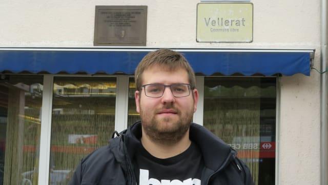 Clément Piquerez vor dem Stammlokal der Béliers, der Pro-Jurassier