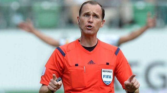 Sascha Amhof, Schiedsrichter-Experte