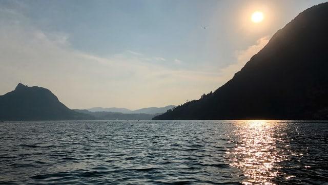 Sonnenaufgang am Luganersee bei Gandria.