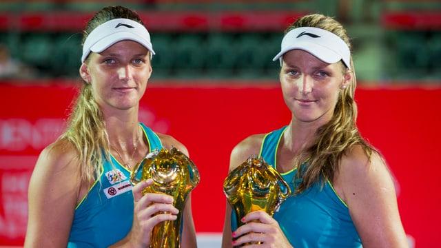 Kristyna Pliskova mit Zwillingsschwester Karolina.