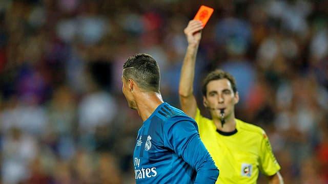 Cristiano Ronaldo ha survegnì la carta mellen/cotschna.