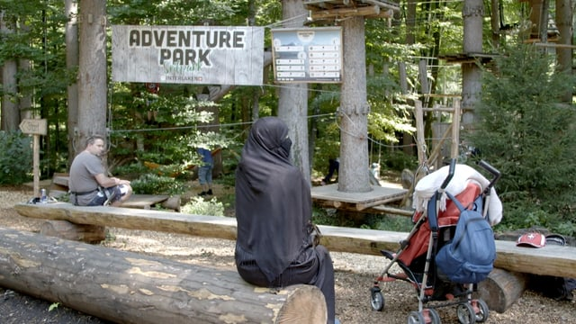 Im Adventure-Park in Interlaken: Saudische Touristin