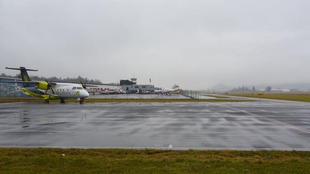 Blick vom Flughafen Bern-Belp Richtung Süden.