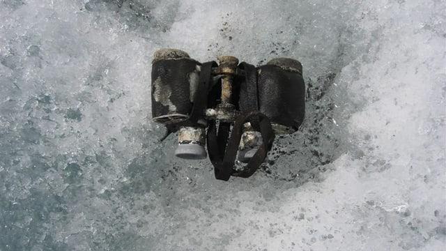Zwei englische Alpinisten entdeckten die vier Lötschentaler Bergopfer von 1926 und ihr Fernglas.
