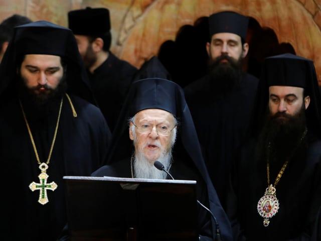 Griechisch-orthodoxer Patriarch Barholomäus I. bei einer Rede