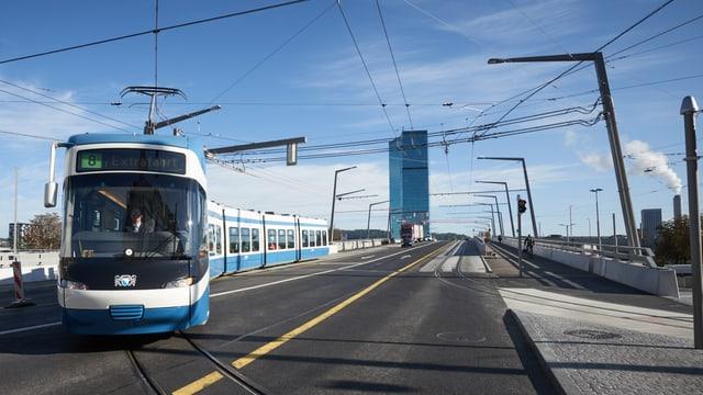 Die Verlängerung der Tramlinie 8 über die Hardbrücke. Solche Projekte werden aus dem Verkehrsfonds finanziert.