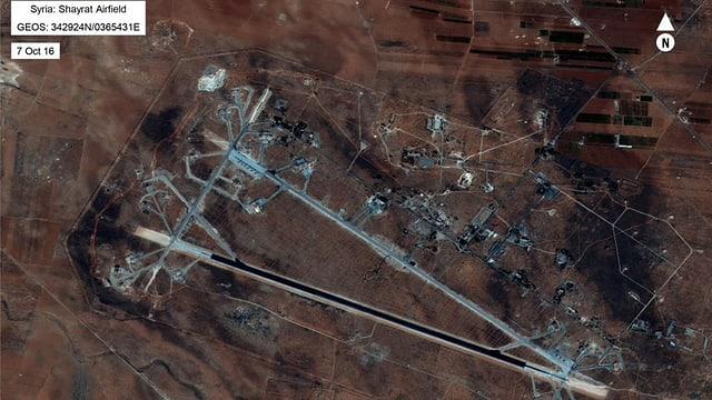 La plazza aviatica da l'armada siriana ch'ils Stadis Unids han attatgà cun 59 rachetas