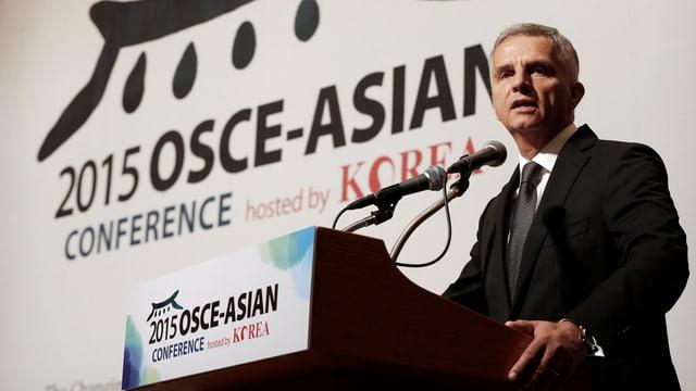 Didier Burkhalter a la conferenza da la OSCE a Seoul.