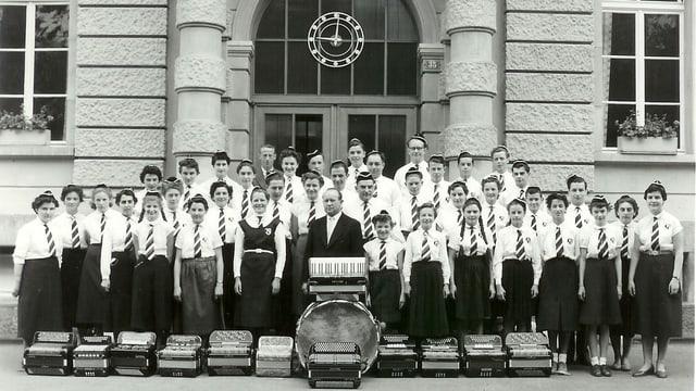 Il club d'accordeons l'onn 1954