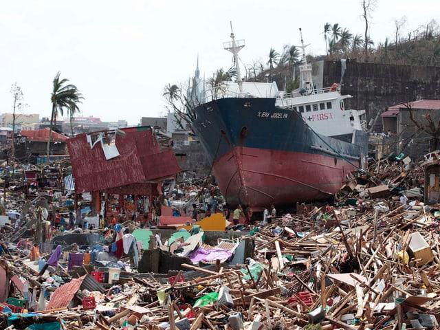 Ein zerstörtes Dorf auf den Philippinen.