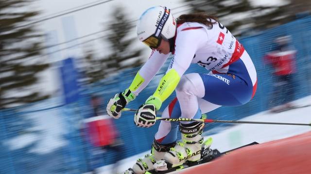 Wendy Holdener führt das Schweizer Team zum Sieg.
