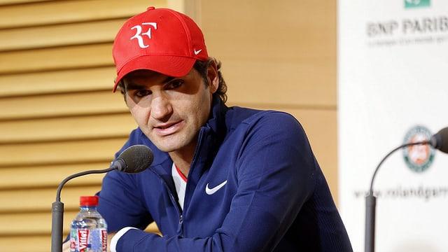 Roger Federer an der Pressekonferenz.