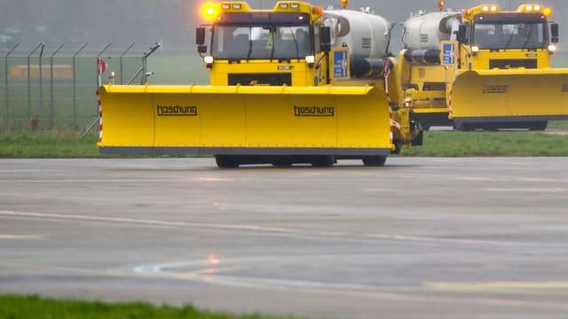 Private Transportunternehmen, die normalerweise bei der Schneeräumung aushelfen, hatten diesen Winter nicht viel zu tun.