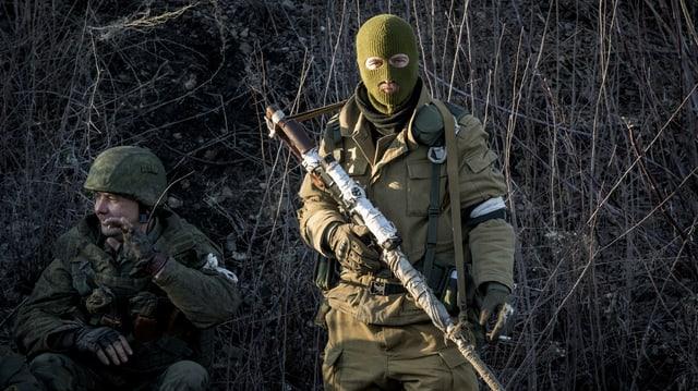 Cumbattants en l'ost da l'Ucraina.