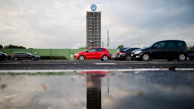 La citad da Wolfsburg quinta cun marcantamain damain entradas da taglia pervi dal scandal da VW.