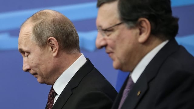 Putin neben Barroso.