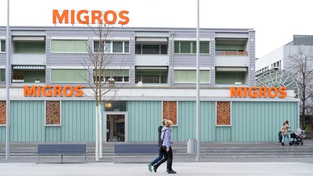 Filiala da la Migros a Kloten.