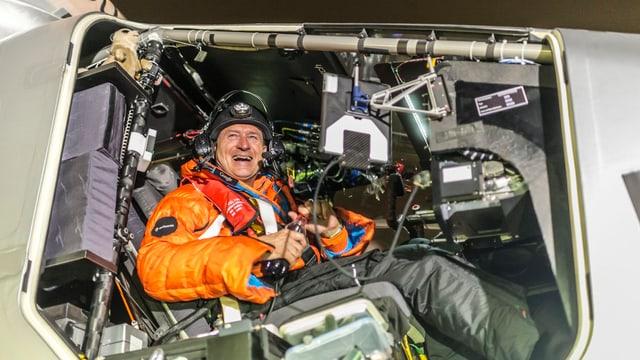 Borschberg im Cockpit.
