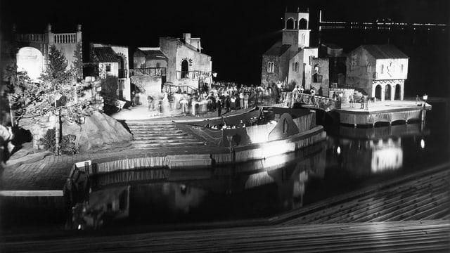 Das Bühnenbild von «Gasparone».