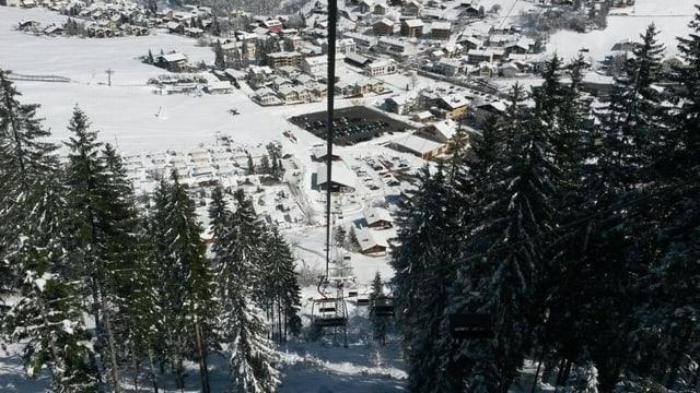 Blick auf die Talstation Lenzerheide aus der Gondel.