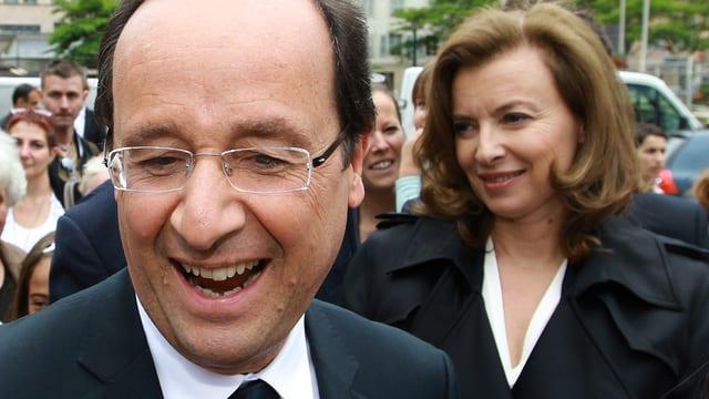Der französische Präsident François Hollande und seine Lebensgefährtin Valérie Trierweiler