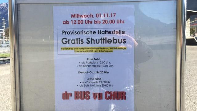 In placat che descriva la purschida dal gratis shuttle.