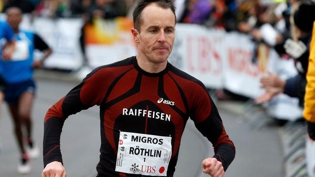 Viktor Röthlin bei einem Rennen in Genf.