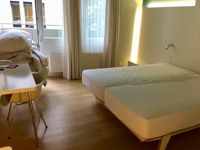 Im Hotel Dom haben die Angestellten 45 Minuten Zeit, um ein Zimmer zu reinigen. In der konventionellen Hotellerie sind es nur 15 Minuten.