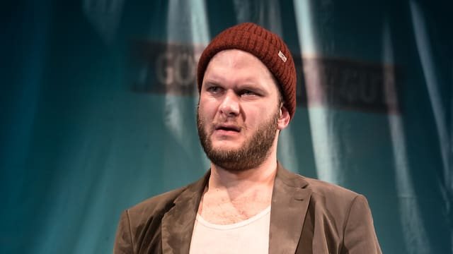 Liliom, gespielt von Jakob Leo Stark