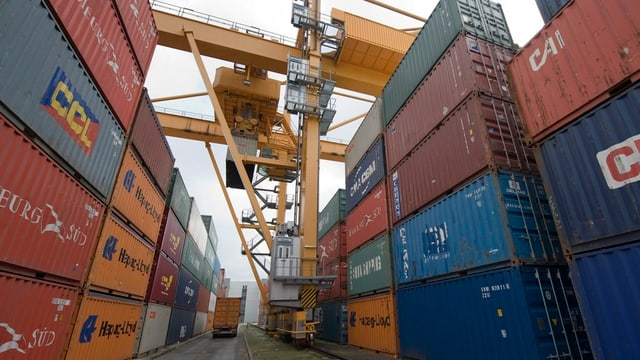 Container gestapelt