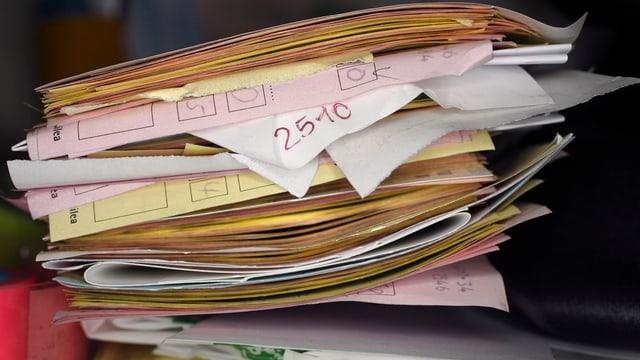 Noch immer stapeln sich bei der Solothurner Ausgleichskasse die Dokumente und Gesuche. (Symbolbild)