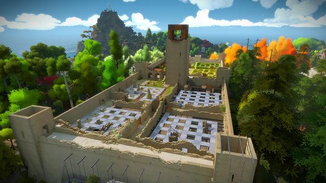 Eine zerfallene Burg mit Heckenlabyrinth.