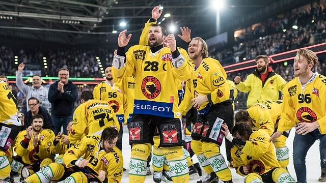 Ils Bernais festiveschan lur titel da campiun svizzer.